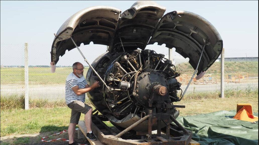 Moteur Wright Cyclone. Donation du musée Air France à l'Amicale du Super Constellation