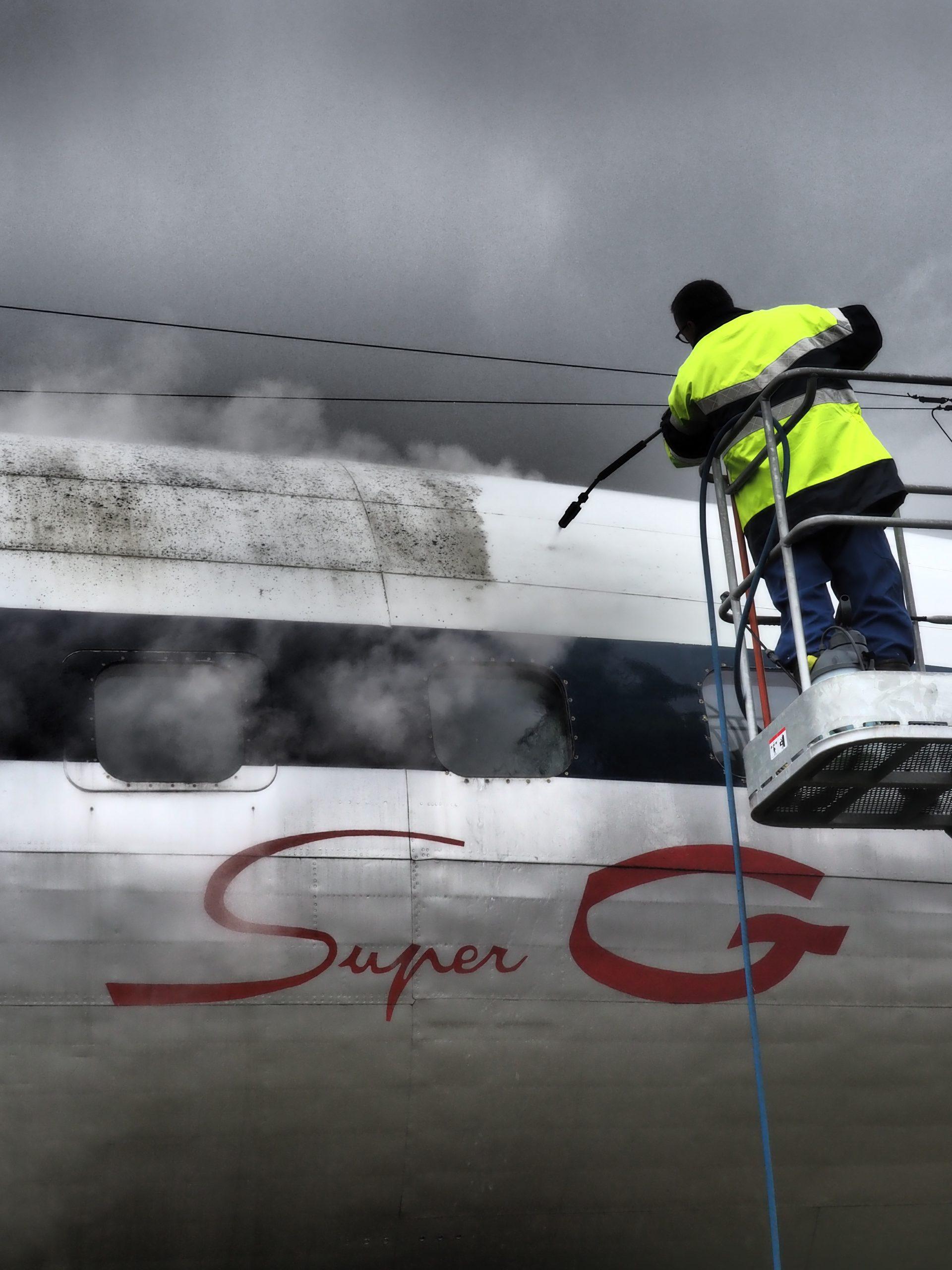 Nettoyage de printemps 2018 - Nettoyage haute pression du fuselage