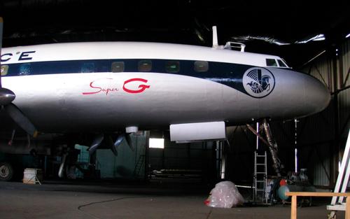 Super Constellation F-BGNJ peinture fuselage terminée